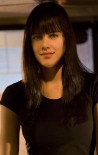 Kristin Woolf