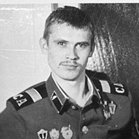 Владимир Шустов